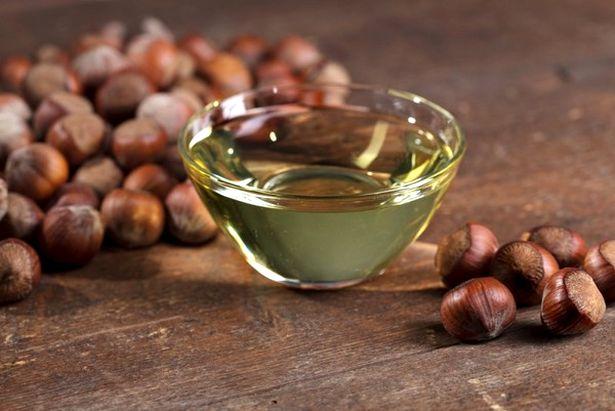 Масло лесного ореха используется в качестве основы для натуральных лекарственных препаратов