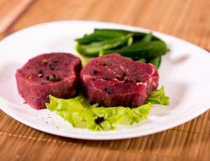 Как определить свежее мясо