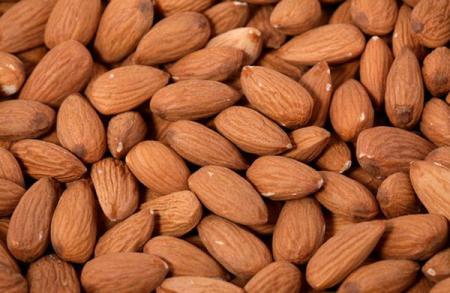 фото ореха миндаль