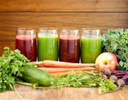 Сырые овощи и соки из них - источник витаминов
